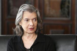 A presidente do STF, a ministra Cármen Lúcia pe novo alvo dos petistas