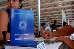 Um terço dos brasileiros desempregados atualmente sobrevive com bicos e trabalhos temporários