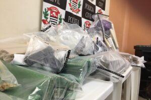 A operação, em seis cidades da Baixada Santista, apreendeu mais de 100 quilos de drogas em 24h