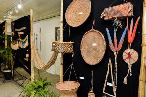 As peças em exposição pertencem a etnias de diversos estados do país, como Acre, Amazonas, Pará, Tocantins, Amapá, Goiás, Roraima e Mato Grosso