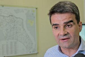 """""""A febre amarela vai chegar em Santos, a intensidade da doença depende de quantas pessoas estarão imunizadas"""", alertou o secretário municipal de Saúde, Fábio Ferraz"""