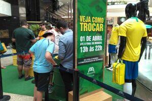 As trocas de figurinhas no Praiamar Shopping acontecem até o fim da Copa do Mundo na Rússia, ou seja, na final, que será realizada no dia 15/07
