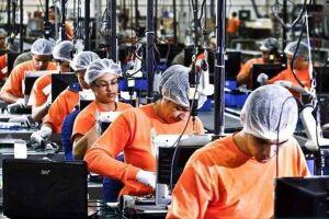 No mês passado, indústria paulista criou 500 vagas a mais que em março de 2017