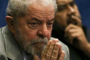 A defesa do ex-presidente Lula entrou com recursos em instâncias superiores sobre o caso triplex