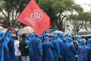 Por volta das 16h, mais da metade dos manifestantes já havia deixado o local