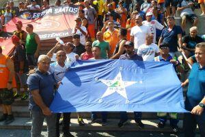 Os trabalhadores tomaram a rua João Pessoa e foram até a praça Mauá