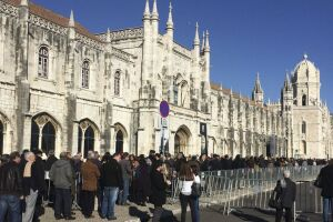 De acordo com o Instituto Nacional de Estatística de Portugal (INE), entre 2015 e 2080, a população do país diminuirá dos atuais 10,3 milhões para 7,5 milhões ficando abaixo do previsão de 10 milhões em 2031