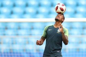 Paulinho reclamou de dores após a partida contra o México, mas não deve ser desfalque contra a Bélgica