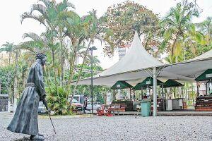 A Praça da Biquinha, em São Vicente, foi reformada ano passado, após 18 meses fechada. Entretanto, as atividades no local foram retomadas provisoriamente