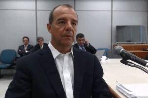 Sérgio Cabral (MDB) foi colocado em isolamento nesta terça-feira (24)