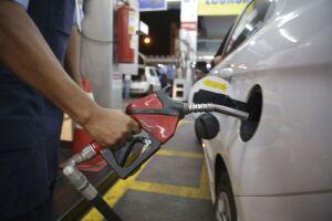 A ANP ouviu entidades e pessoas físicas sobre a conveniência de se estabelecer uma periodicidade mínima para o repasse do reajuste do preço dos combustíveis