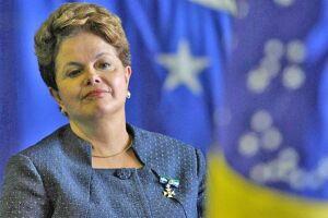 Dilma recebe homenagem em restaurante em BH