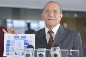 Eliseu Padilha afirmou que o governo vai estender o desconto de R$ 0,46 por litro do óleo diesel até dezembro
