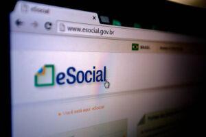 Prazo de adesão obrigatória de pequena empresa ao eSocial é adiado para novembro