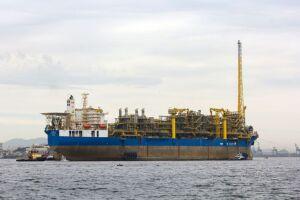 Lula, o maior campo produtor de petróleo e gás natural do país produziu, em média, 872 mil diários de petróleo e 37,4 milhões de metros cúbicos de gás natural