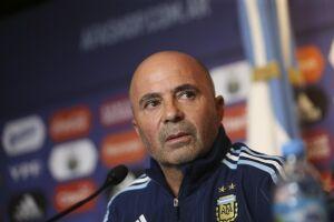 Jorge Sampaoli, que fracassou pela Argentina, também foi contatado