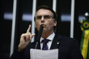 A convite de Abilio Diniz, Bolsonaro falou durante uma hora e meia para um grupo seleto do PIB brasileiro