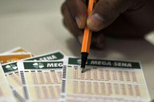 Quem acertar sozinho o prêmio principal da Mega-Sena levará R$ 72 milhões