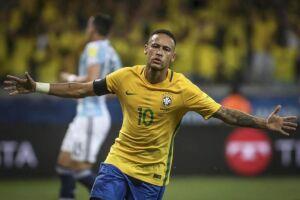 Neymar disse estar feliz por Mbappé, da França, e Rakitic, da Croácia, que irão disputar a final da Copa da Rússia