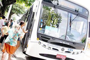 A frota de ônibus de Guarujá circula normalmente na manhã desta terça-feira (03)