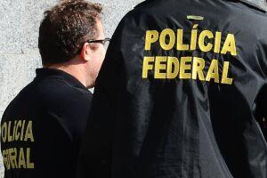 A operação conta com a participação de cerca de 180 agentes federais, que cumprem 13 mandados de prisão preventiva; nove mandados de prisão temporária e 43 mandados de busca e apreensão em cinco unidades da Federação