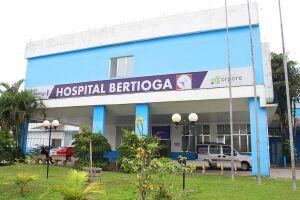 Menino foi levado ao Hospital Municipal por seu pai, mas não resistiu aos ferimentos