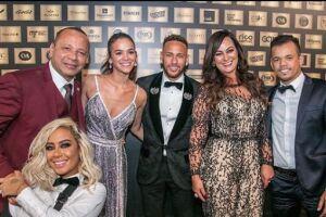 O Instituto Projeto Neymar Jr. realizou, na noite desta quinta-feira (19) um leilão beneficente no hotel de luxo Unique, em São Paulo