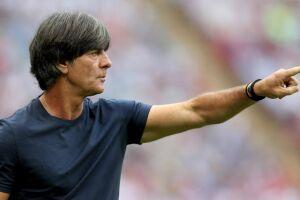 A permanência do técnico, campeão do Mundial do Brasil-2014, no cargo se tornou duvida depois que a seleção alemã deixou a Rússia sem obter a vaga para as oitavas de final