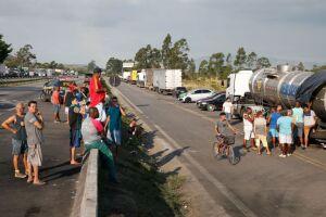 A greve dos caminhoneiros causou maior decréscimo no setor de transportes, serviços auxiliares de transporte e Correios