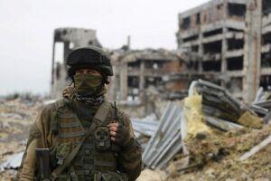Na região, vivem aproximadamente 600 mil pessoas em um raio de até 10 quilômetros das linhas de combate