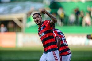 Flamengo consultou CBF e Fifa sobre a situação de Paolo Guerrero