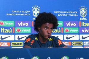 Willian elogiou os adversários, em especial os que são seus companheiros no futebol inglês