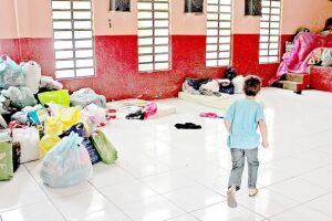 Além da falta de informações oficiais, as vítimas dizem que as doações levadas para o Fundo de Solidariedade, bem como as cestas básicas, não foram entregues