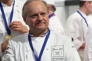 """Robuchon era uma das grandes celebridades na gastronomia e foi eleito o """"chef do século"""" em 1989, pelo prestigiado Guia Gault Millau"""