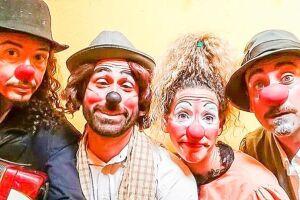 A Bella Cia. Teatro e Circo ocupa o teatro Guarany às 19h30 com Fontainebleau, onde os pintores impressionistas Claude Monet (palhaço Néio) e Auguste Renoir (palhaço Feno) vão para a floresta Fontainebleau em busca de inspiração para pintar