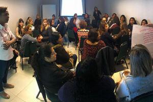 40 professores de 21 unidades municipais de educação infantil (entre pré-escolas e núcleos) participaram de capacitação do programa