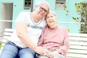 O voluntariado, cuja data é celebrada no Brasil em 28 de agosto, mudou as vidas de duas mulheres que se dedicam, há mais de cinco anos, a auxiliar os idosos do Lar Vicentino, em São Vicente