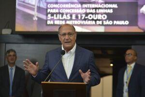 """Ao final do comício, Alckmin se declarou o """"candidato da Baixada Fluminense e de Duque de Caxias"""""""