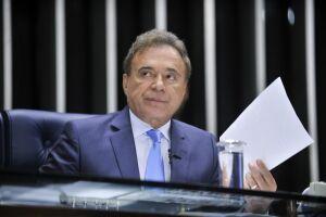 Citado em delações, Alvaro Dias foi autor de projetos anticorrupção no Senado