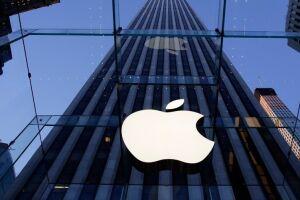 No início deste mês, a Apple alcançou o posto de primeira empresa a valer US$ 1 trilhão em valor de mercado, deixando Amazon, Alphabet e Microsoft para trás