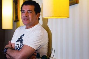 Beto Barbosa, considerado o rei da lambada nos anos 1980 e 1990, disse ainda que continuará com a agenda de shows