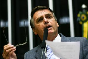 Bolsonaro lidera a disputa sem Lula, com 22%, segundo pesquisa do Datafolha publicada nesta quarta (22). Marina o segue fora da margem de erro de dois pontos, com 16%