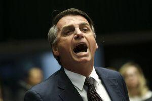 Bolsonaro diz que críticos de seu plano de governo são analfabetos