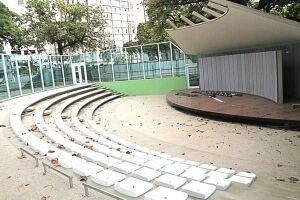 A Concha Acústica Vicente de Carvalho (orla do Gonzaga, ao lado do canal 3) recebe o projeto Forró Pé Na Areia neste sábado (18)