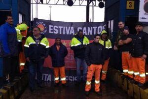 A greve dos 2,5 mil estivadores de Santos entra no seu segundo dia