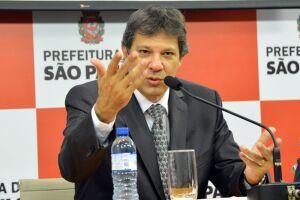 Lula seria o melhor condutor da saída da crise, diz Haddad