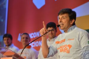 A ausência de João Amoêdo nos debates entre candidatos à Presidência foi muito criticada