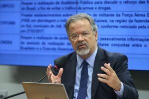 O ministro da Segurança Pública, Raul Jungmann, disse que a crise prisional em Roraima foi discutida no encontro porque 'recursos do Fundo Nacional Penitenciário foram repassados ao estado e desviados'