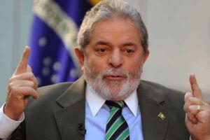 O petista, que está preso na superintendência da Polícia Federal em Curitiba desde abril, é candidato do partido à Presidência e declarou ao Tribunal Superior Eleitoral (TSE) ter patrimônio de R$ 8 milhões