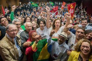 Manuela D'Ávilla defendeu a revogação da reforma trabalhista e do teto de gastos